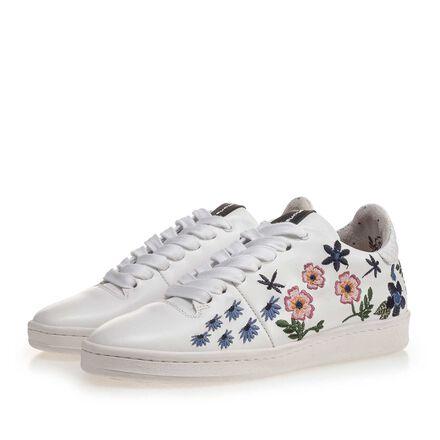 Sneaker met bloemen borduursel