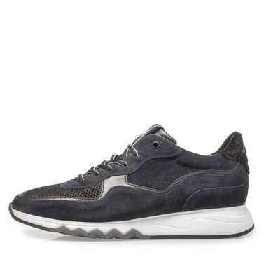 Leather sneaker with running shoe sole