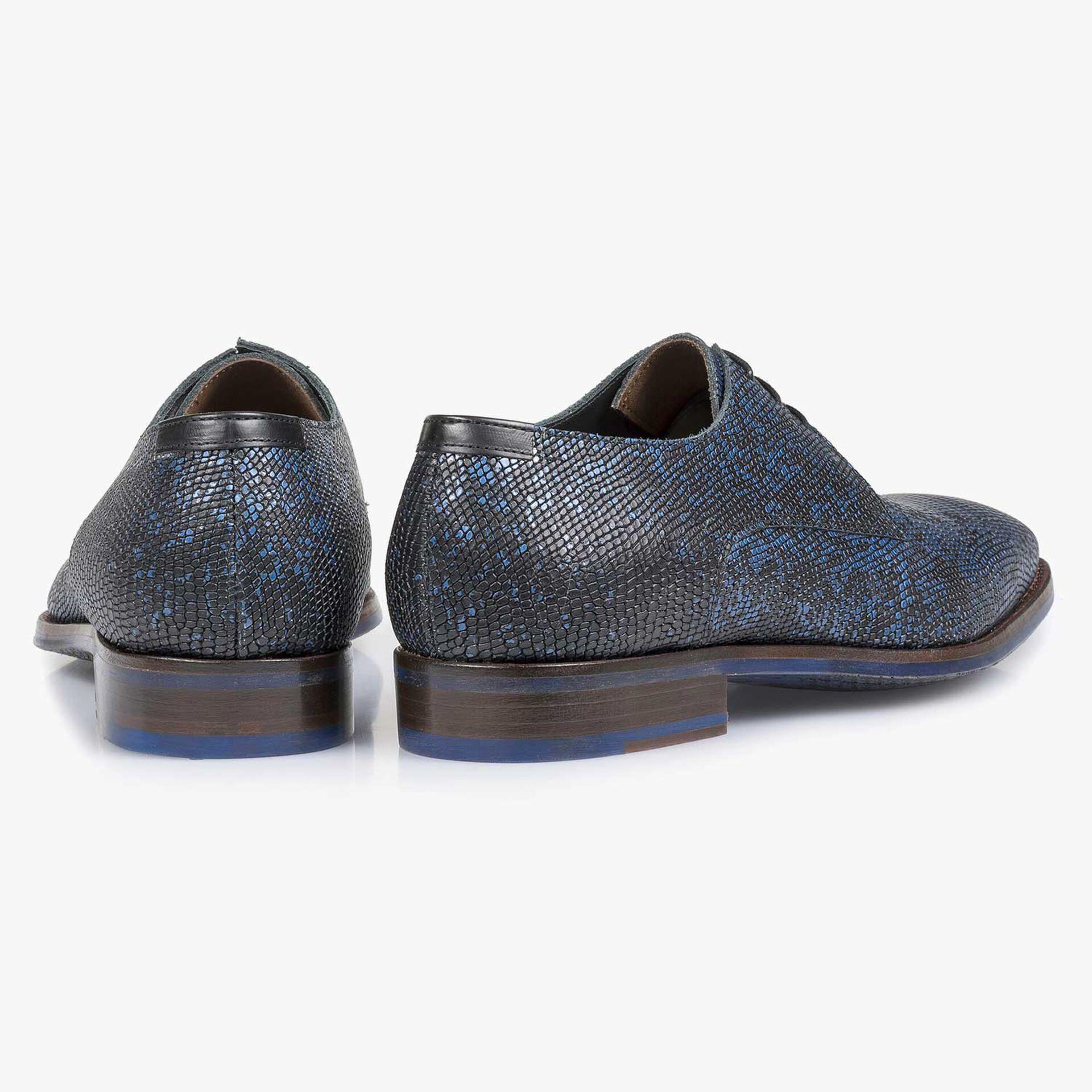 Premium zwarte veterschoen met blauwe metallic print