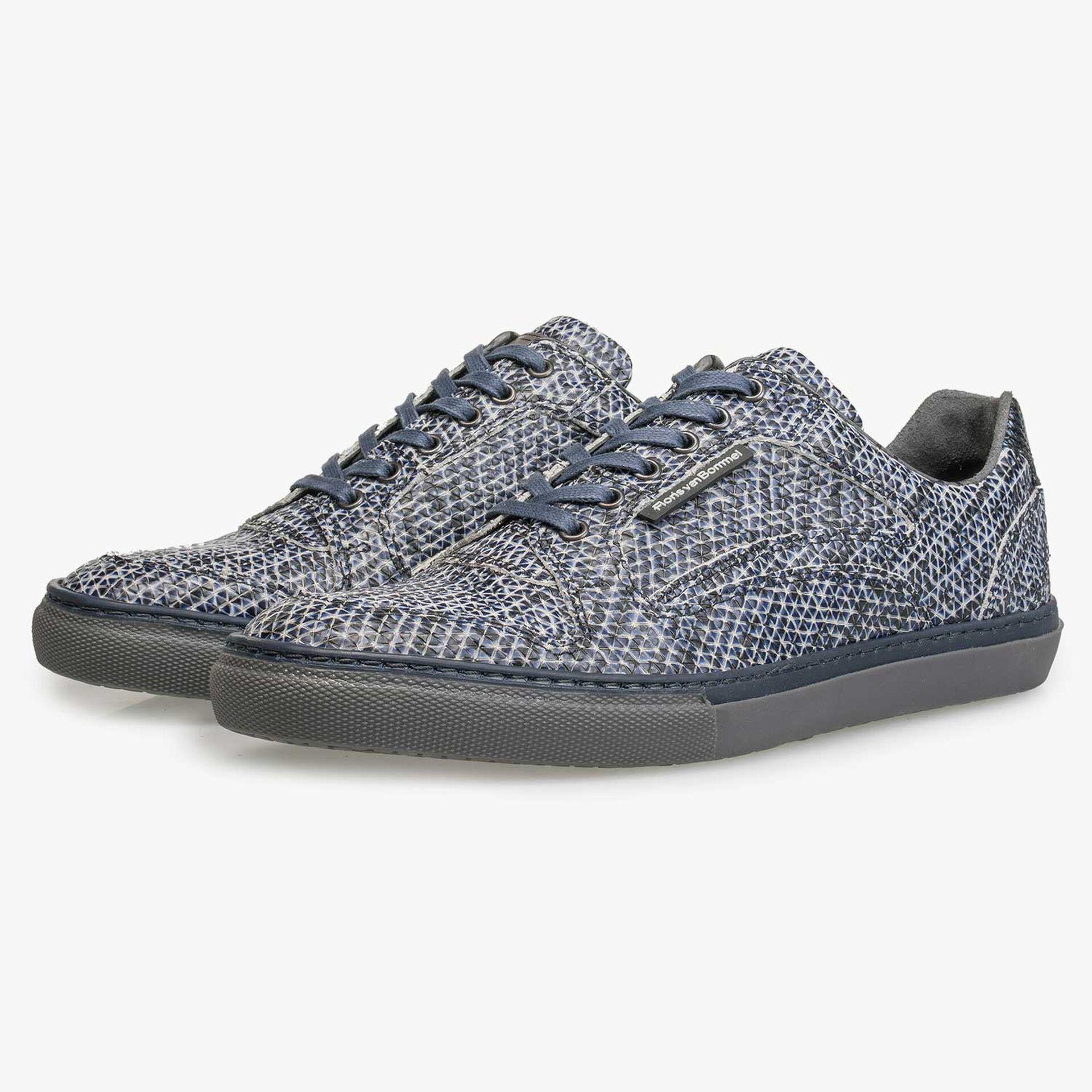 Blauwe kalfsleren sneaker met print