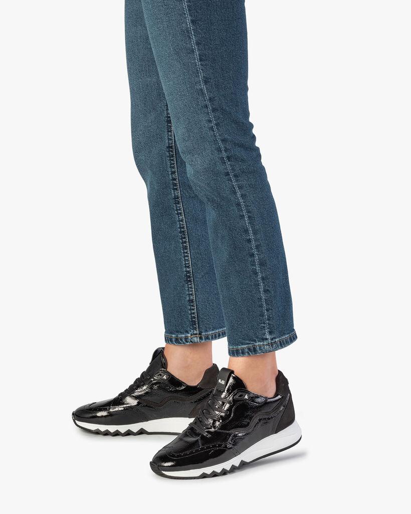 Zwarte lakleren sneaker
