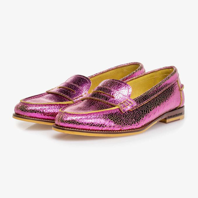 Pink metallic leather loafer with craquelé effect