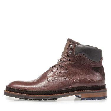 Leather lace boot with welt edge