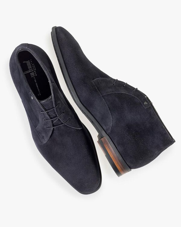 Dark blue suede leather lace shoe