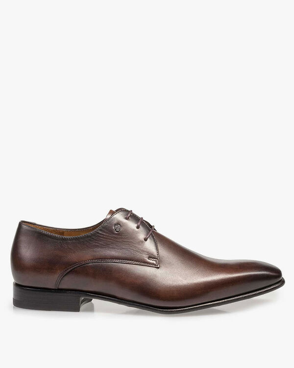 Dark brown leather lace shoe