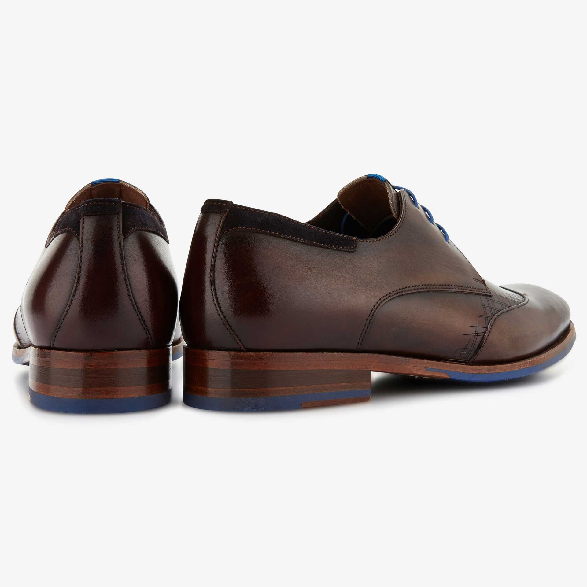 Dark brown calf's leather lace shoe