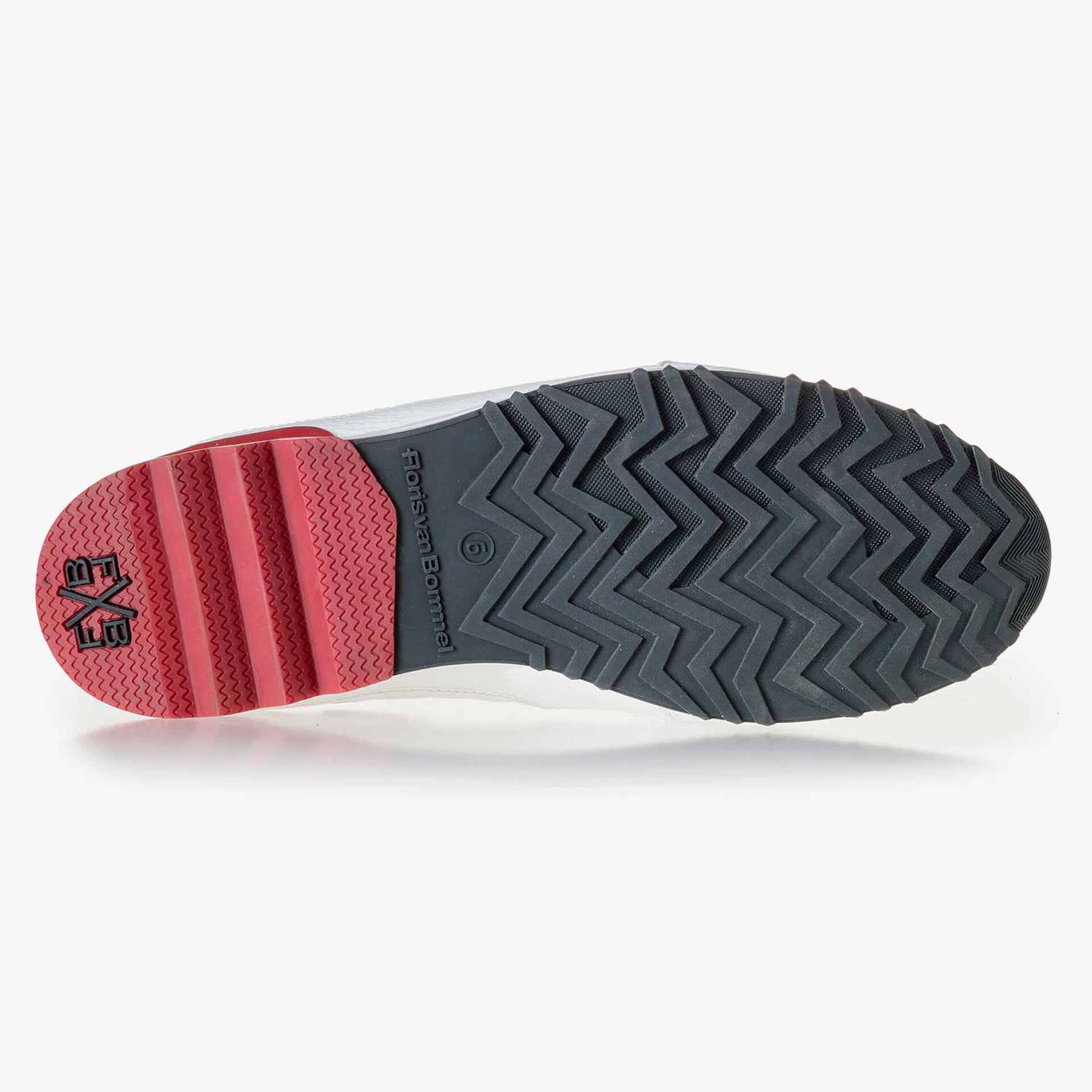 White calf's leather sneaker