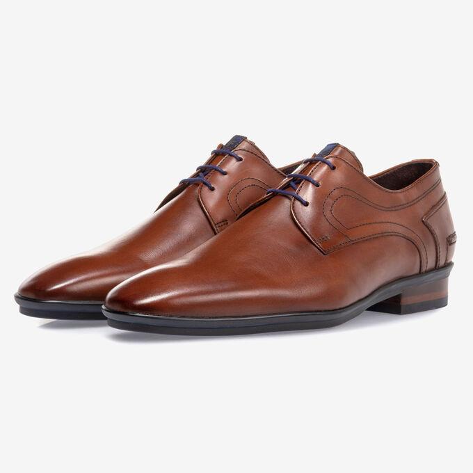 Lace shoe leather cognac