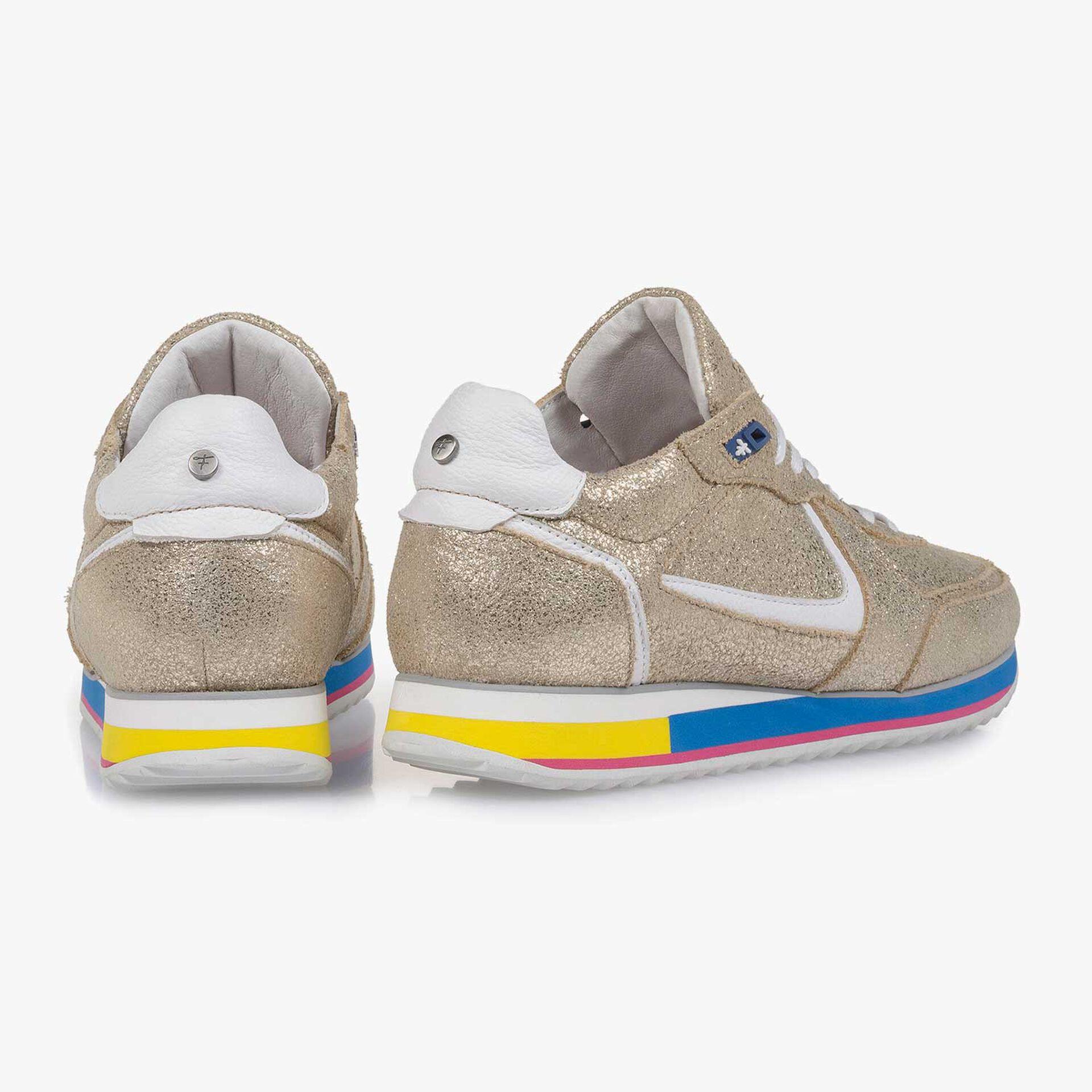 Gouden metallic leren sneaker met craquelé effect