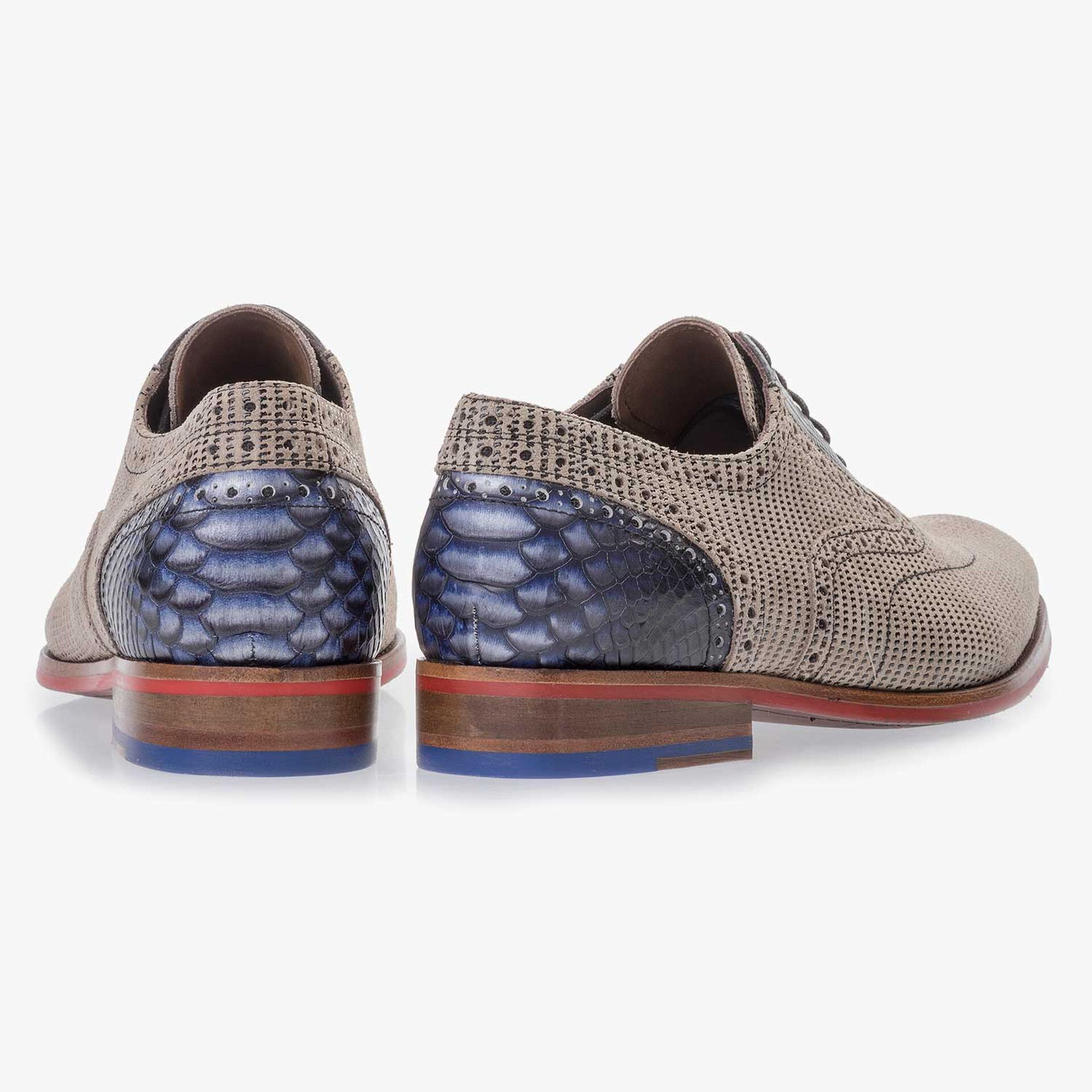 Sand-coloured patterned lace shoe made of suede leather
