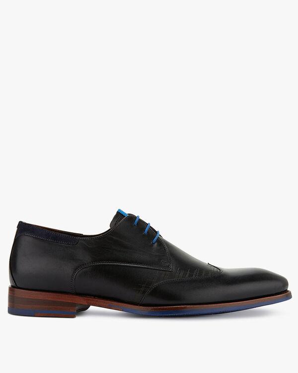 Lace shoe leather black