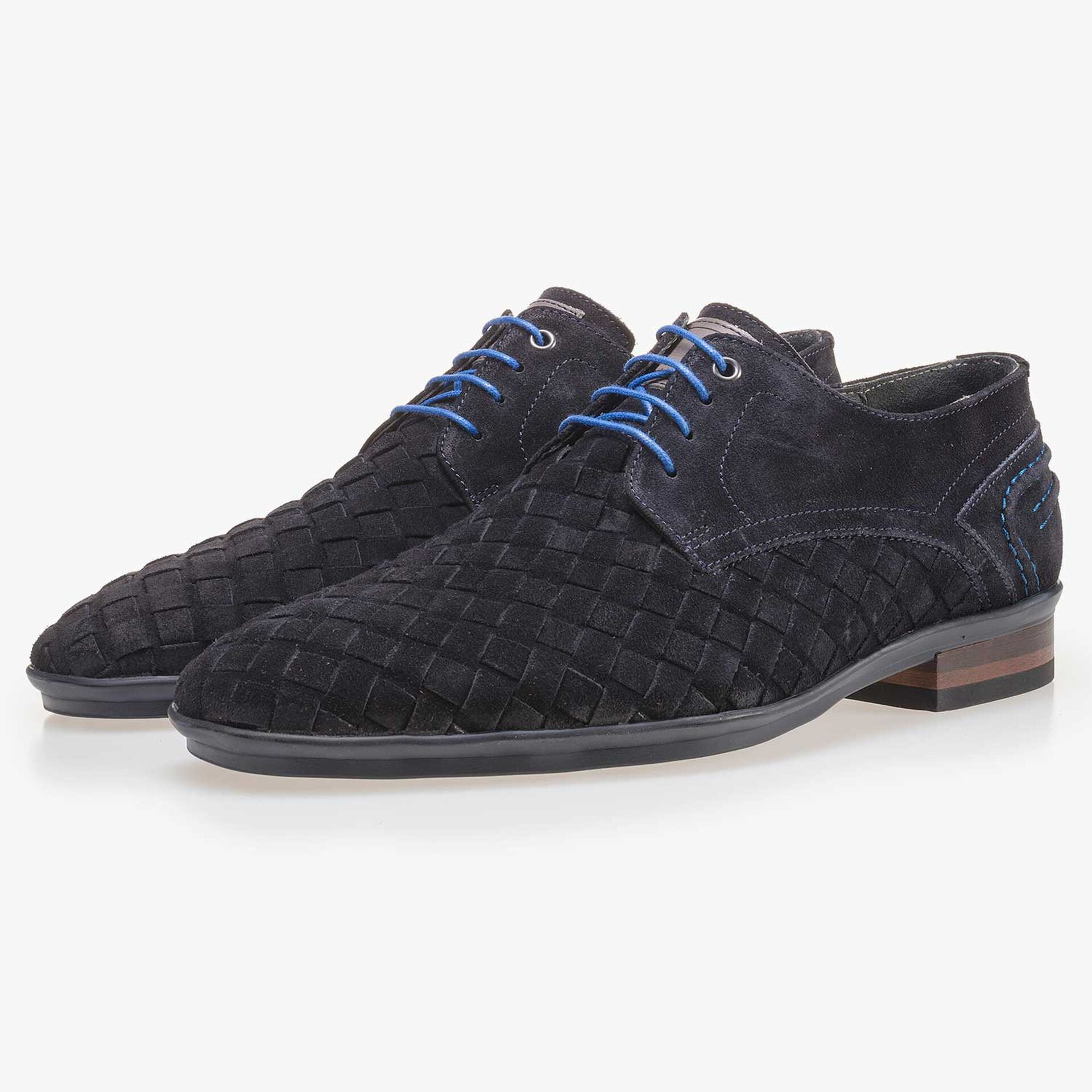Dark blue braided leather lace shoe