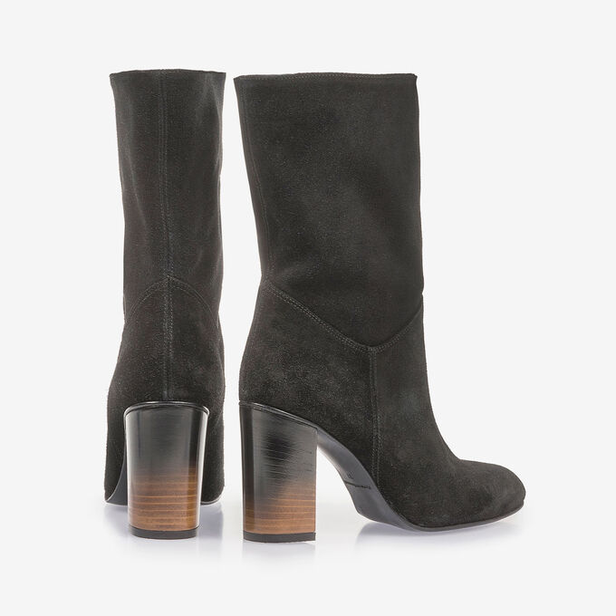 Black suede leather boots