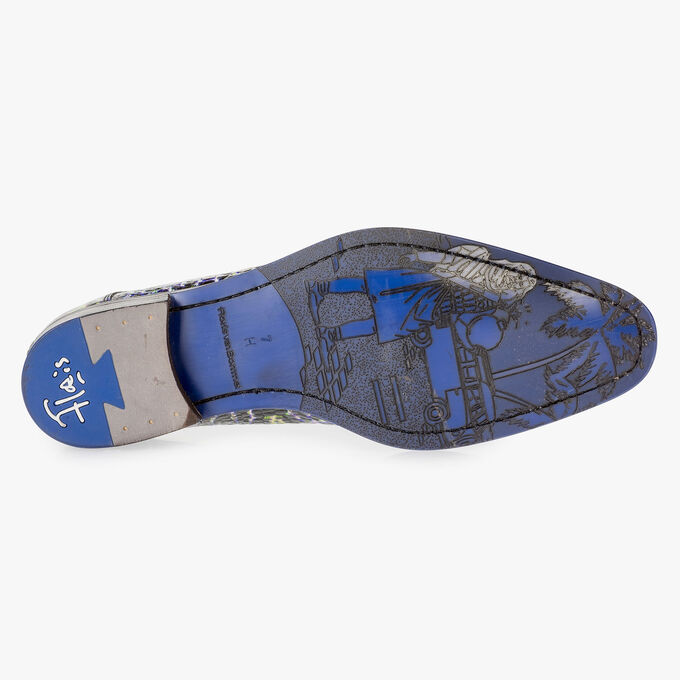 Premium blue lace shoe with a croco print