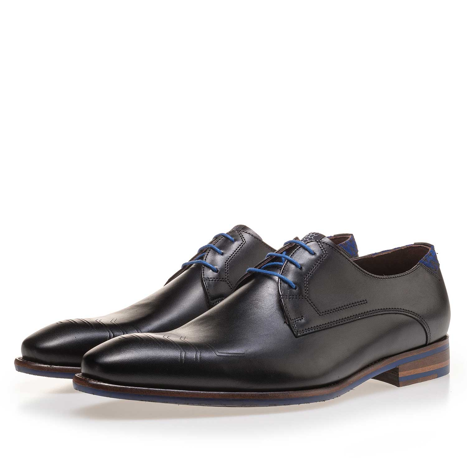 14092/04 - Black calf's leather lace shoe