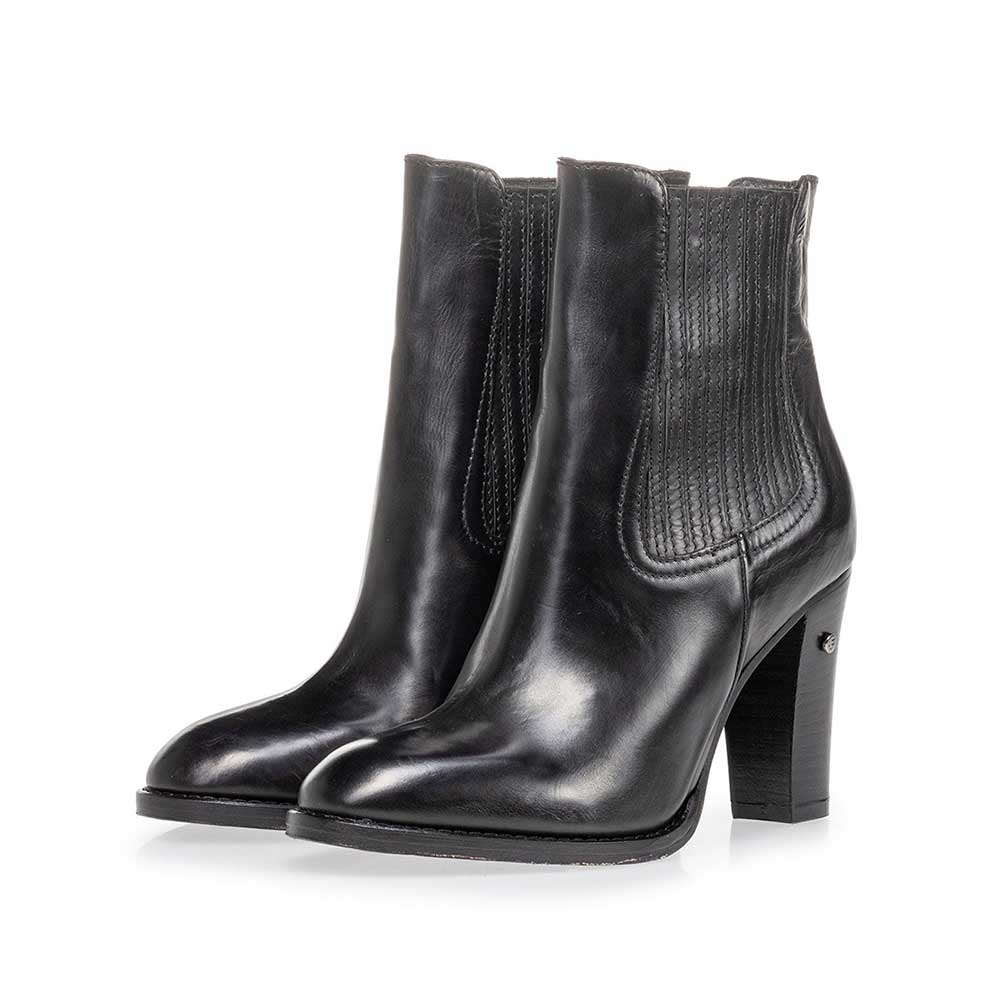 85665/00 - Ankle boot calf leather black