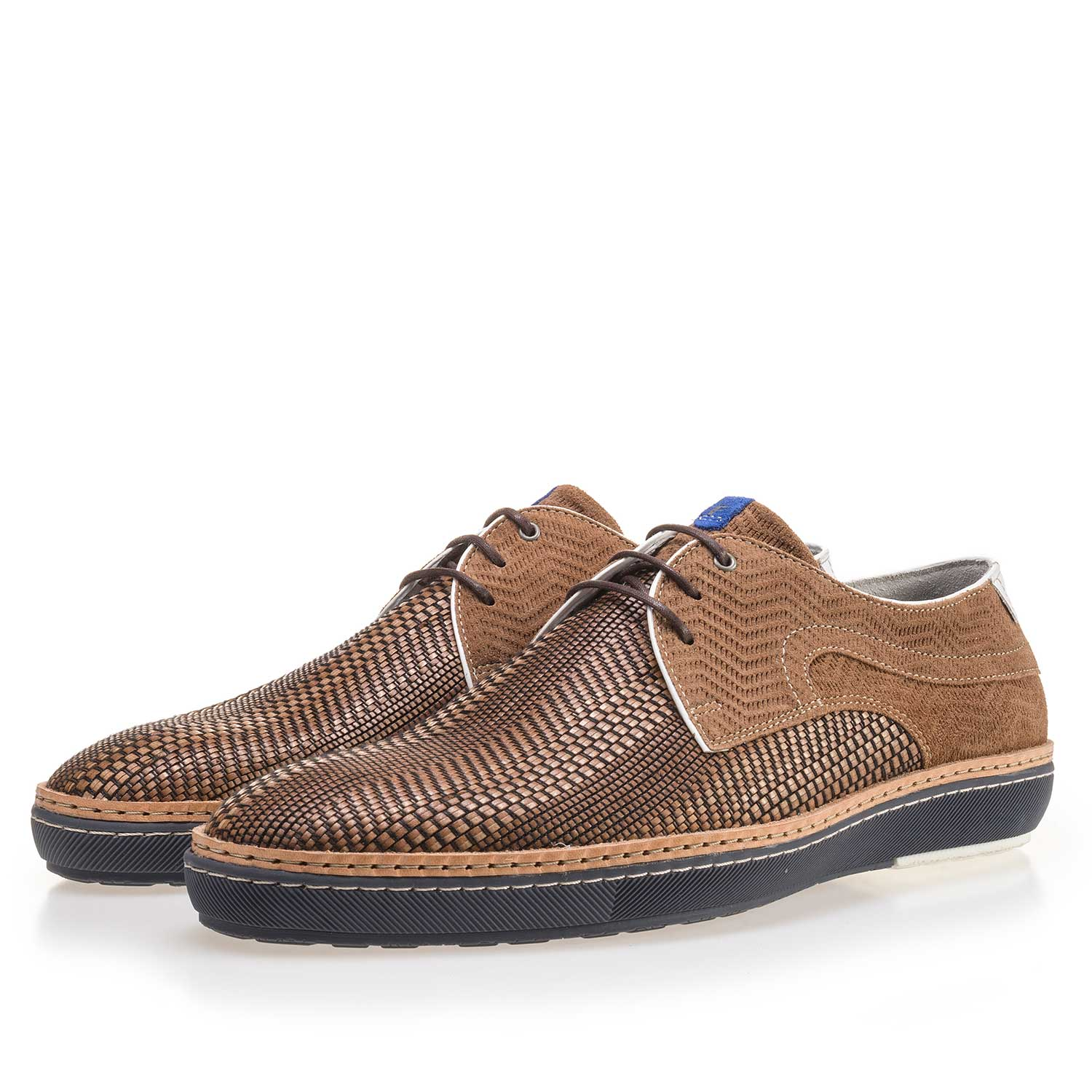 14027/02 - Cognac-coloured lace shoe made of braided leather
