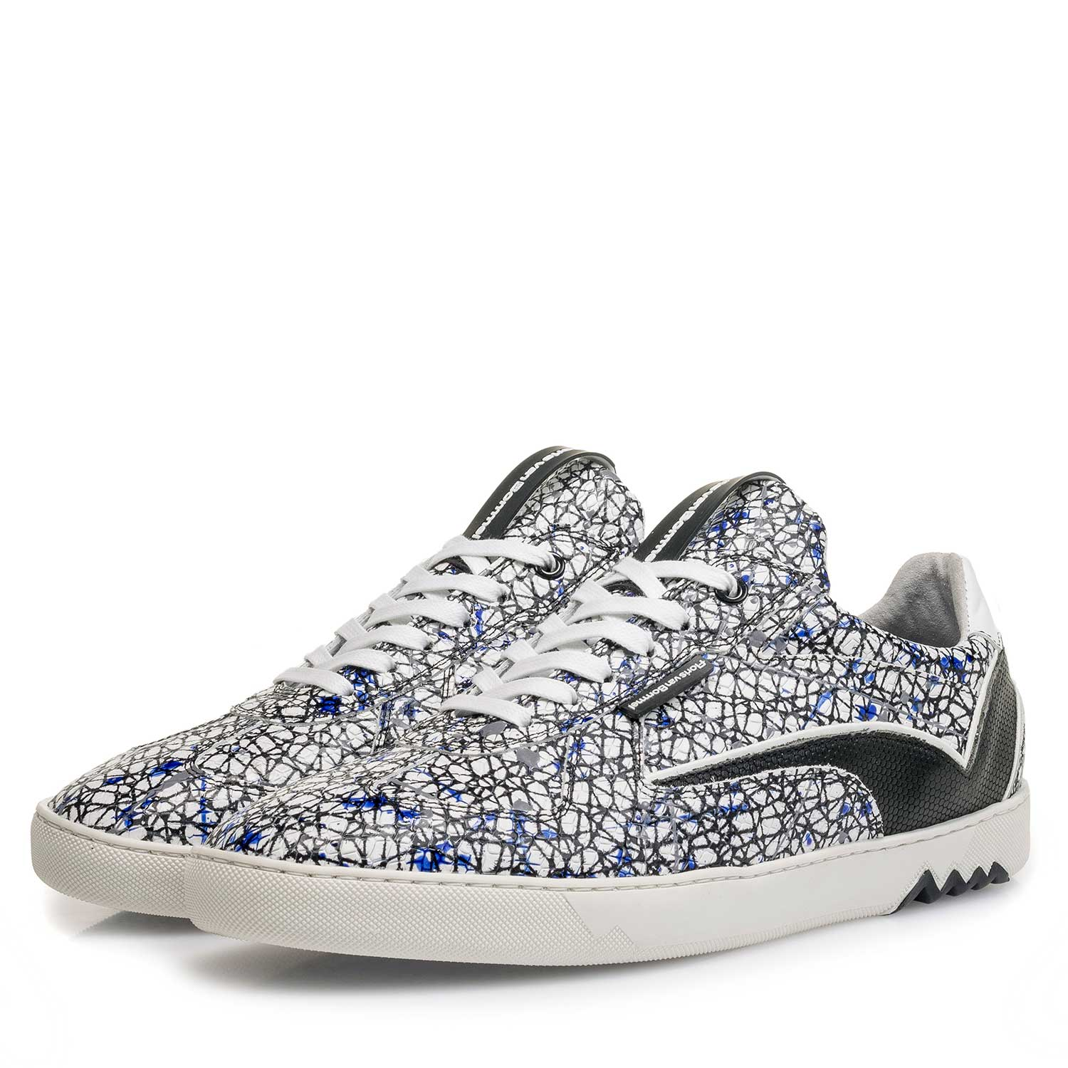 16342/08 - White calf leather sneaker with a print