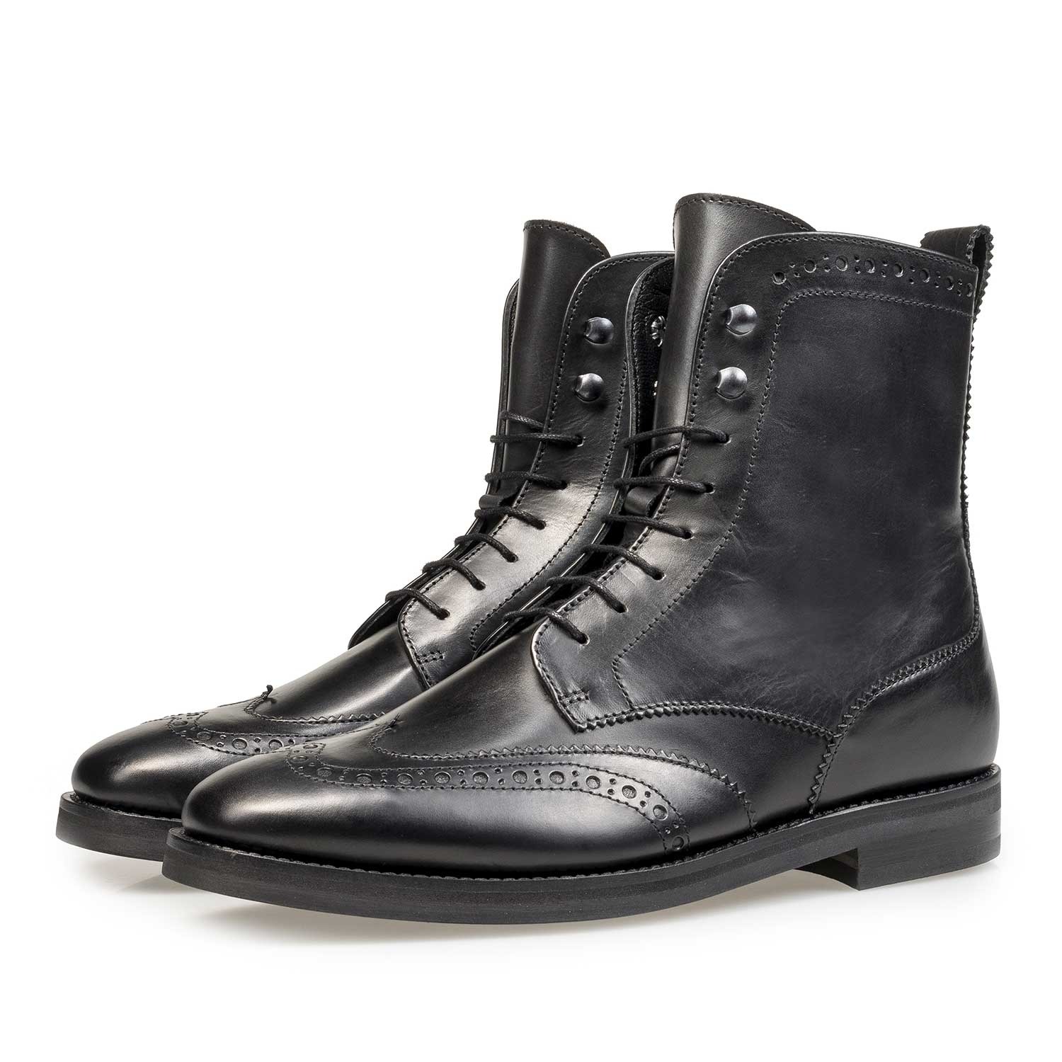 85603/00 - Black calf leather biker lace boot