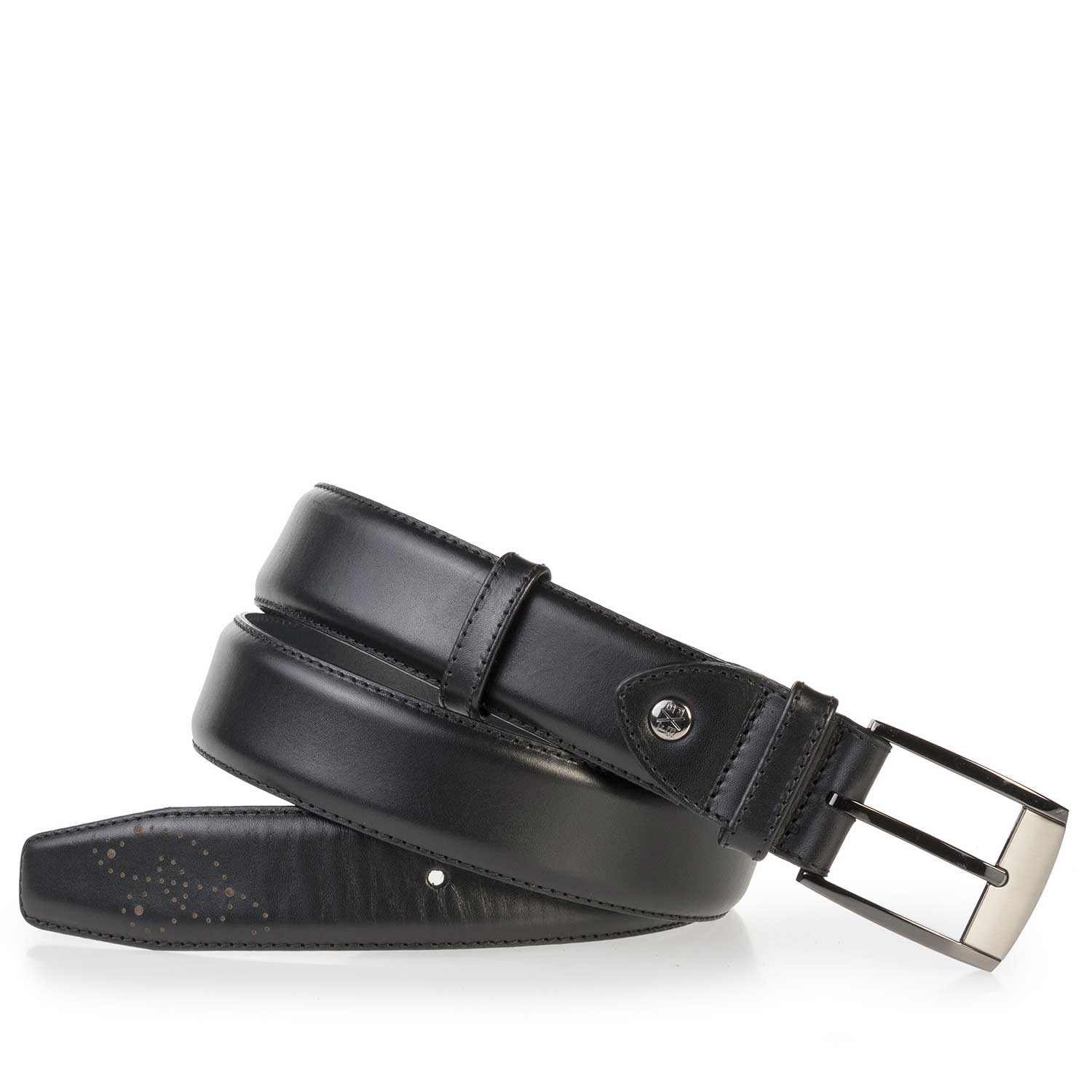 75177/01 - Black, perforated leather belt