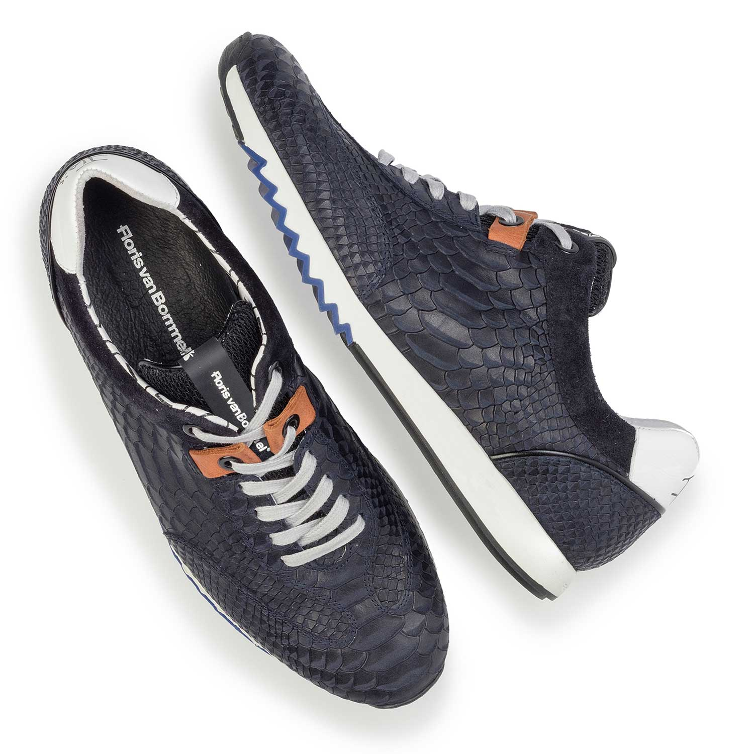 16219/04 - Dark blue leather sneaker finished with a snake print