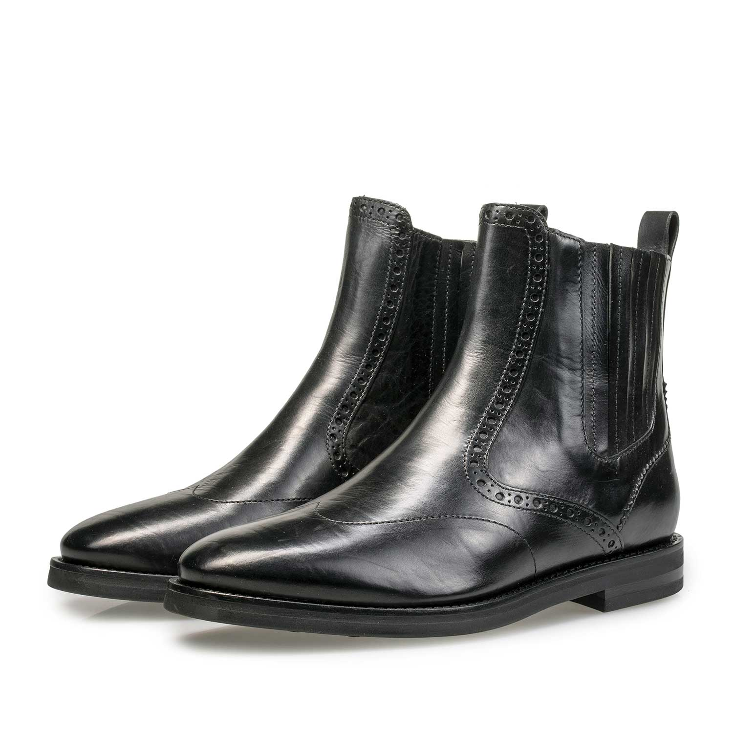 85604/02 - Black calf leather Chelsea boot with brogue details