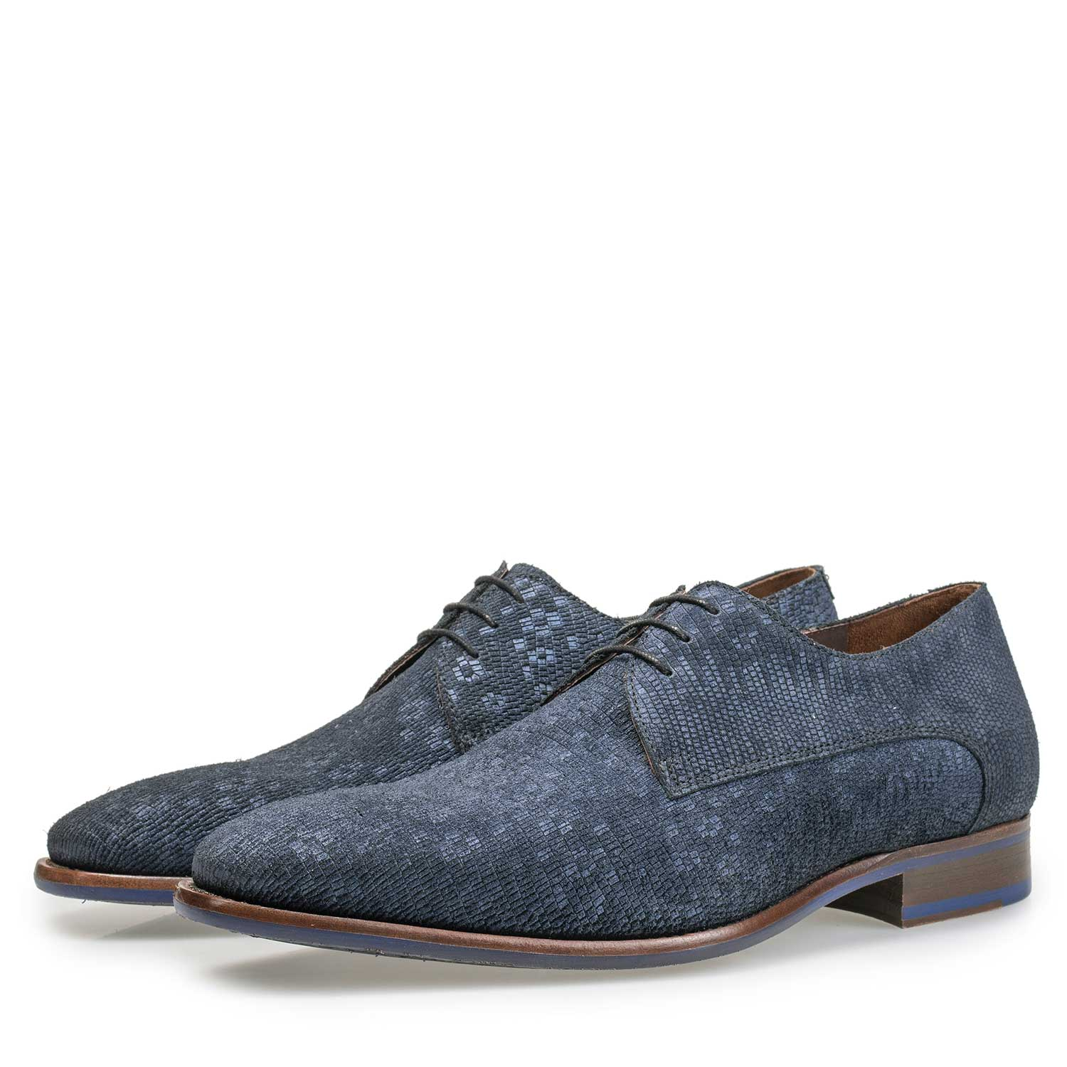 18078/01 - Blue lace shoe with structural pattern