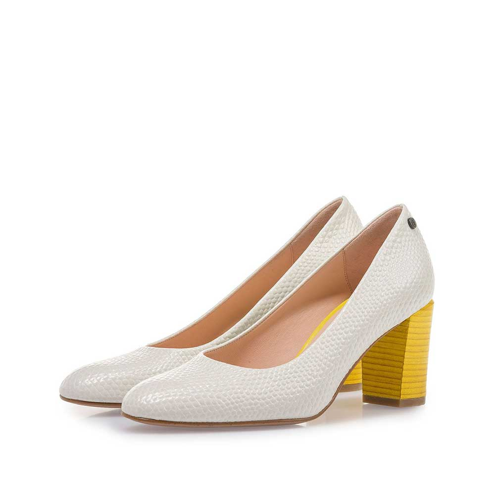 85536/02 - Off-white leather pumps with print
