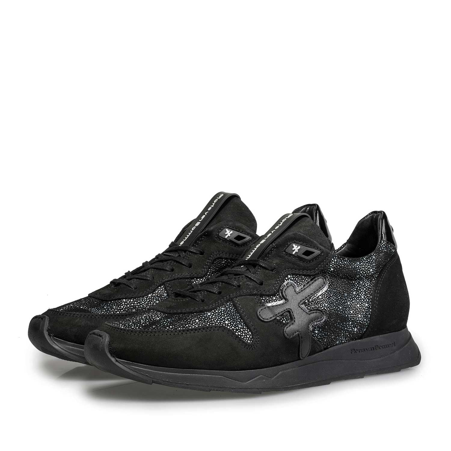85255/04 - Black leather sneaker with runner's sole