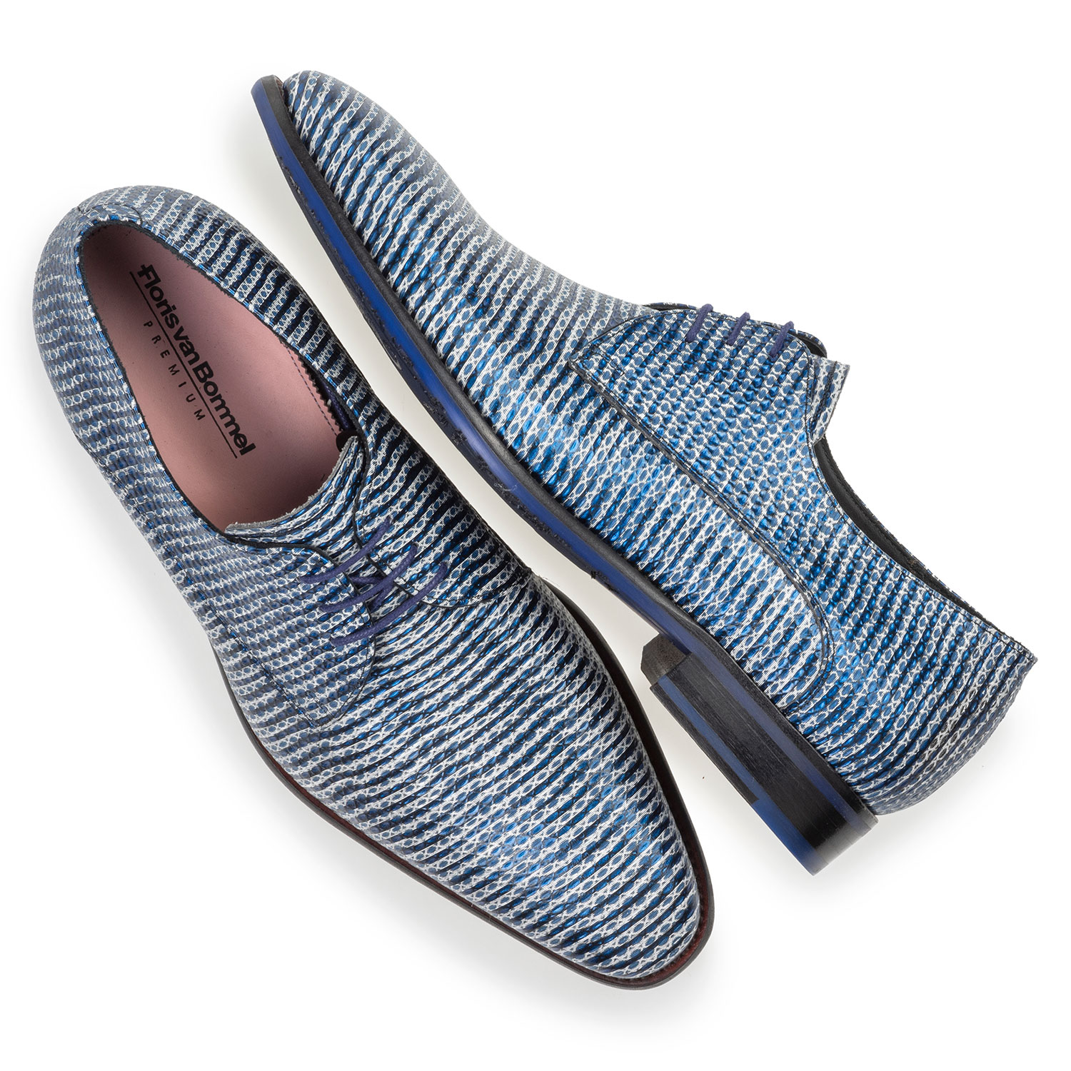 18147/01 - Lace shoe metallic with print blue
