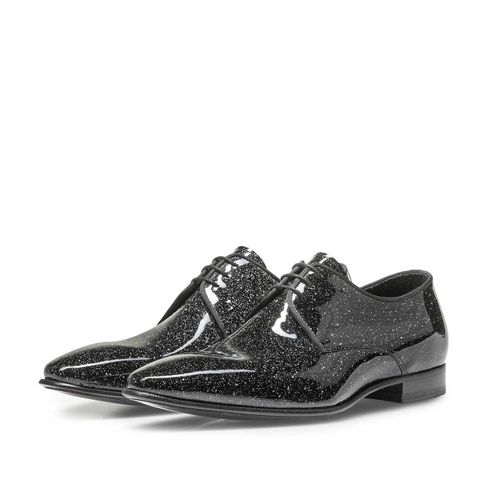 14338/01 - Black patent leather shoe with a print