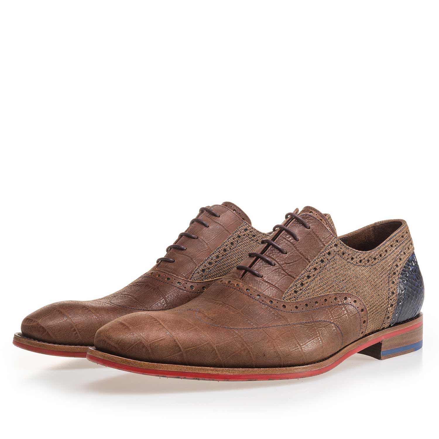 19104/06 - Cognac-coloured leather lace shoe with a croco print