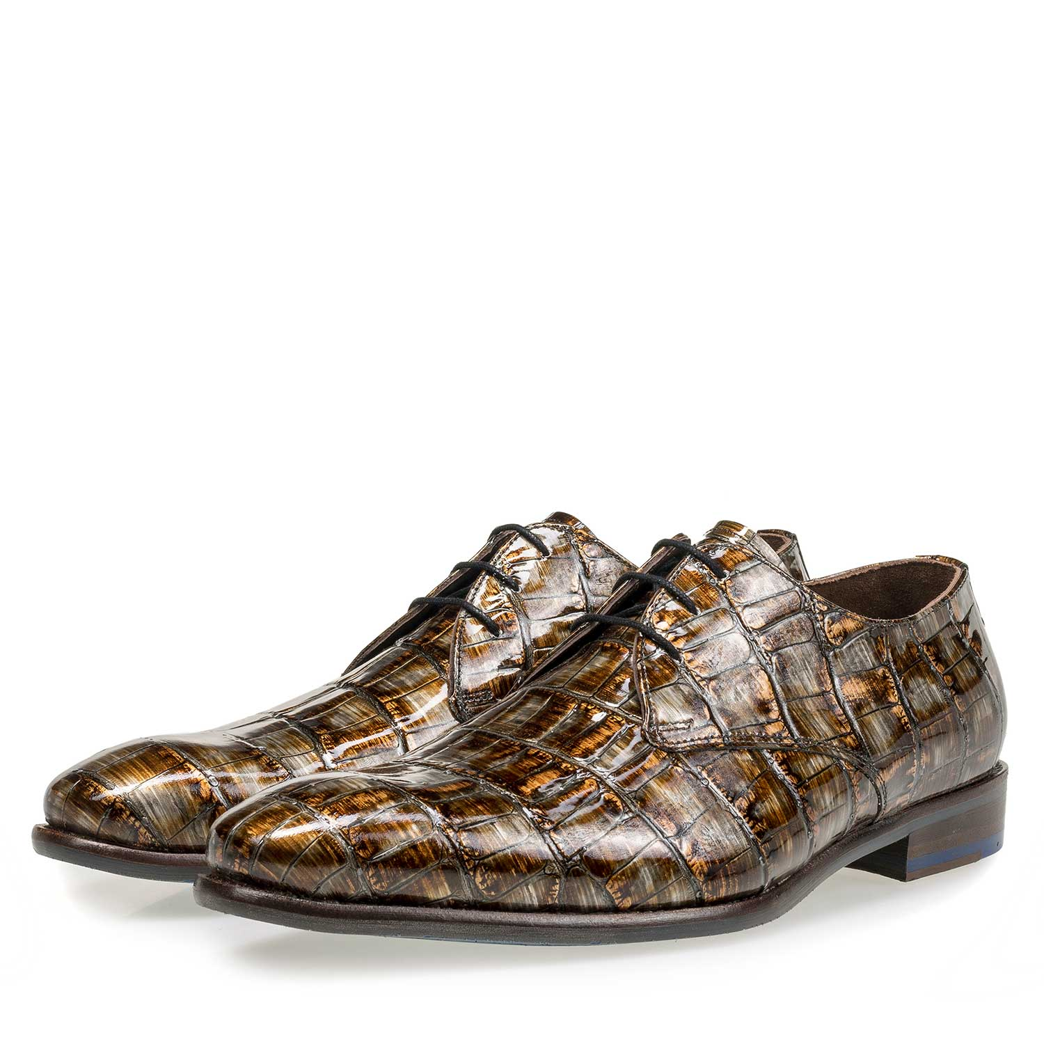 18089/00 - Cognac-coloured lace shoe with a croco print