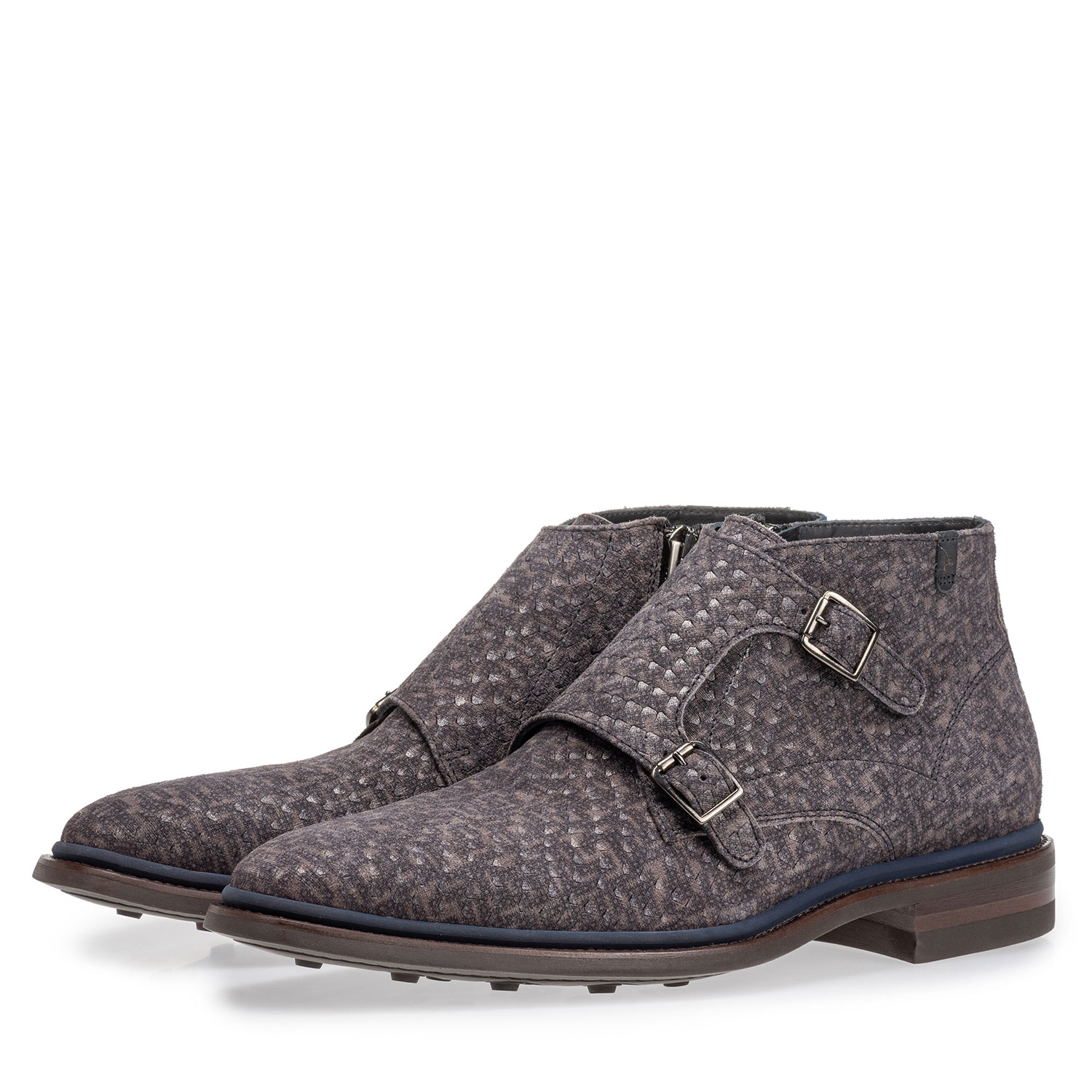 10672/06 - Boot with buckle closure grey