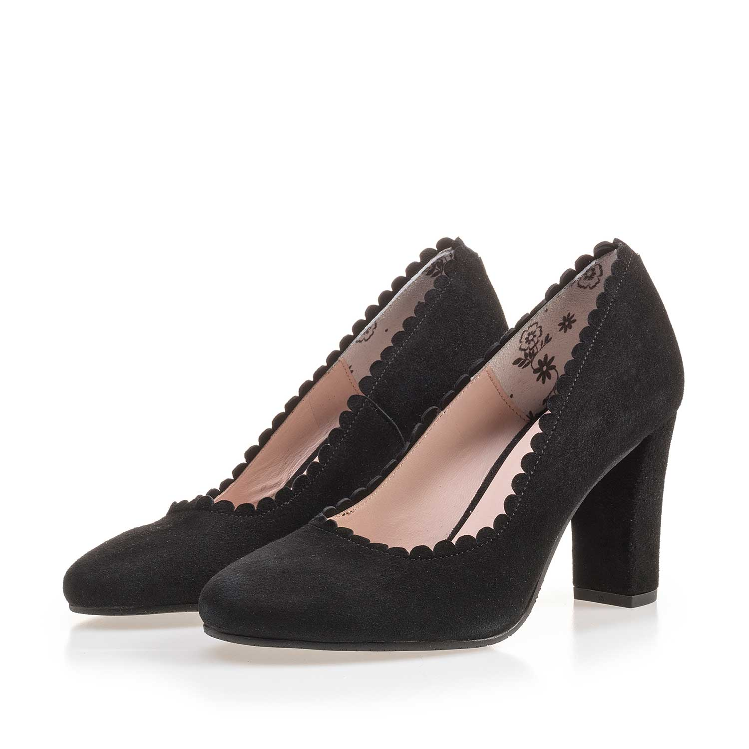 85249/00 - Black calf's suede leather pumps