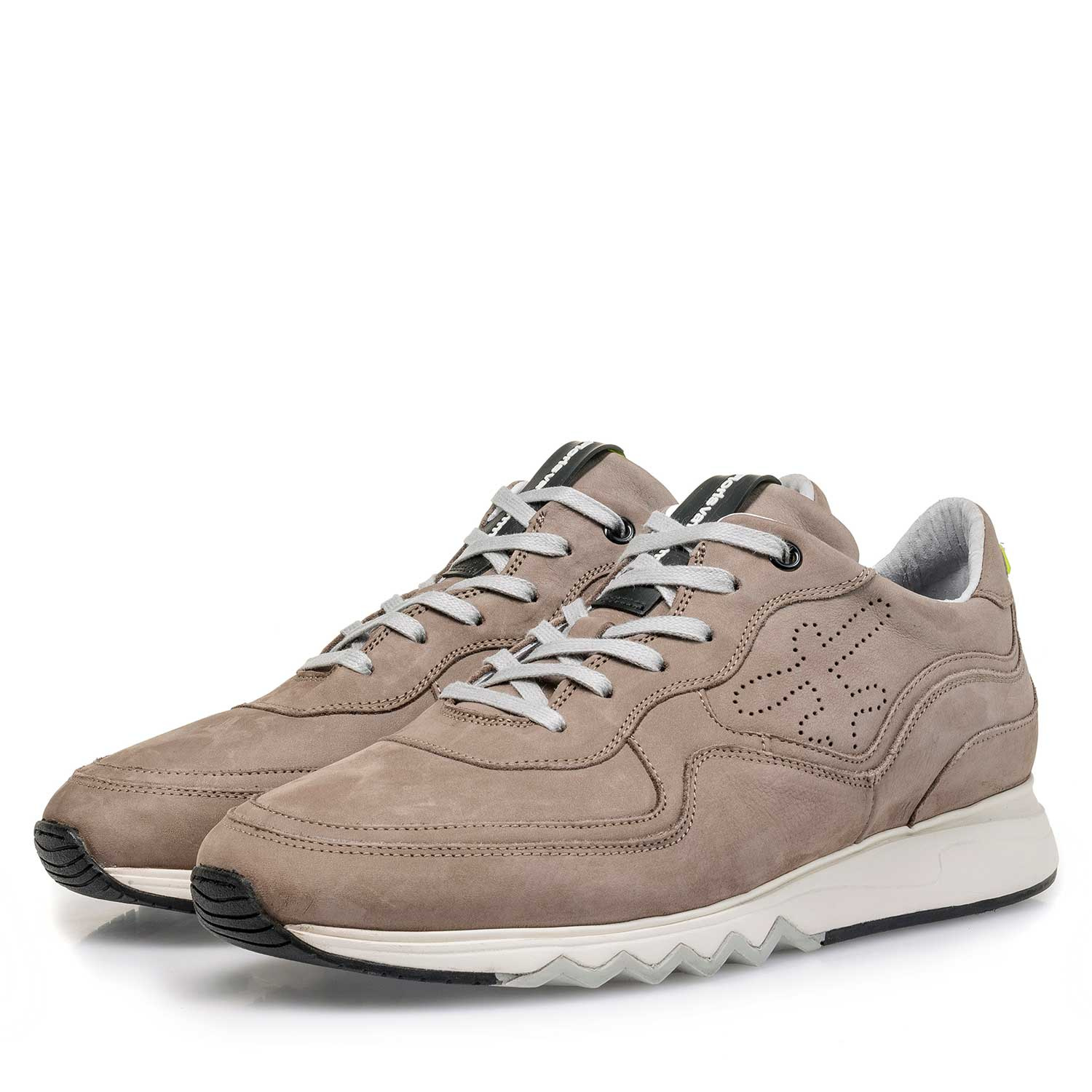 16093/06 - Taupe-coloured nubuck leather sneaker